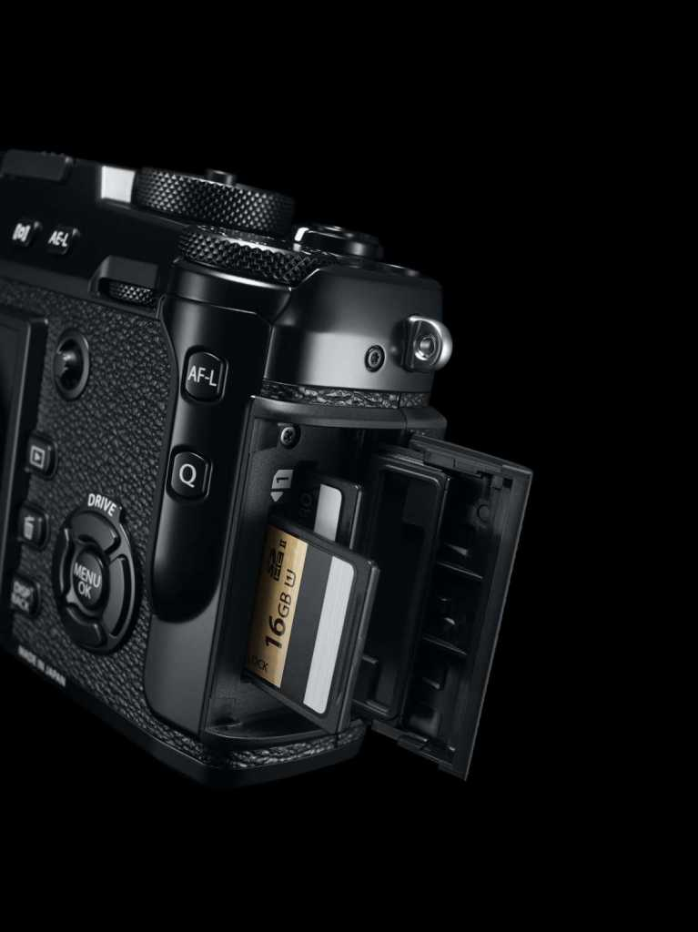 41_X-Pro2_BK_SD_card_Slot_inside_1124x1500