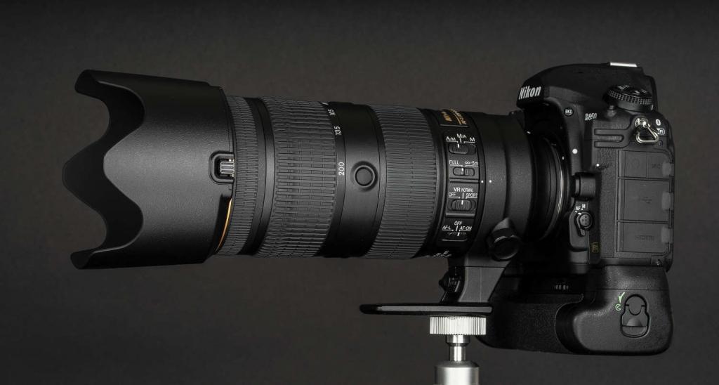 Mit dem Multifunktionshandgriff MB-D18 ist die D850 auch mit dem famosen AF-S NIKKOR 70–200mm 1:2,8E FL ED VR perfekt ausbalanciert.