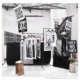 Postproduktion: Kleiderbügel und Kunstrasen