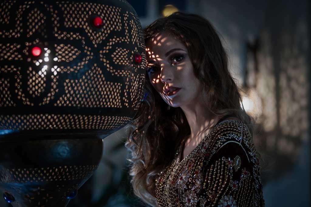 Model: Isabelle. Make-up & Hair: MounArt. Kostüm: Caftan Du Maroc. Support: Frank Aderhold.