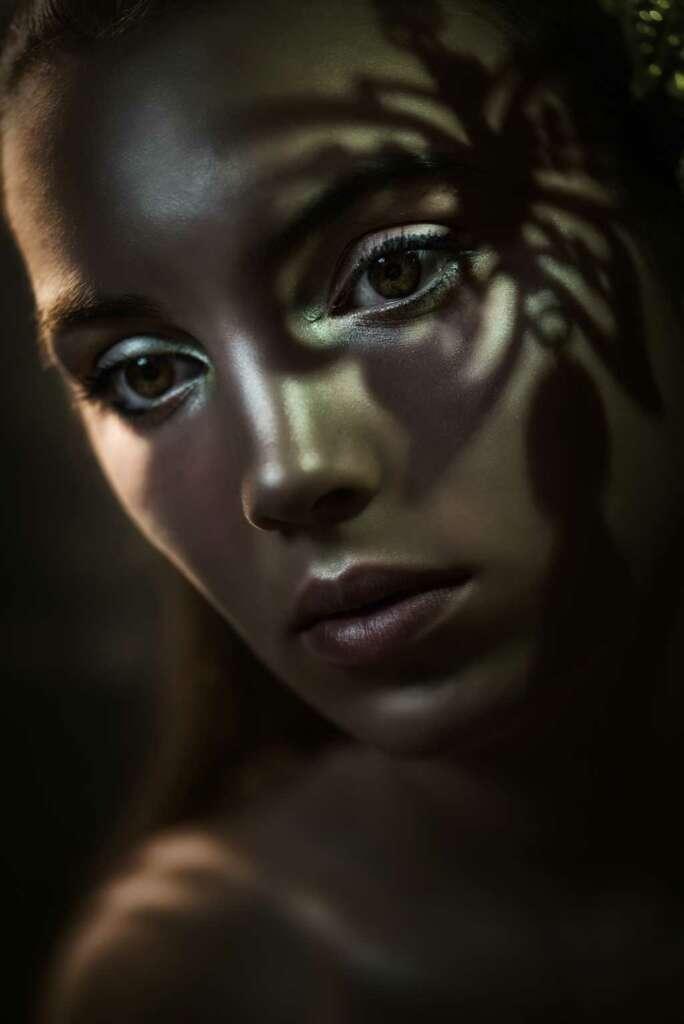Model: Renée. Make-up-Artist: Eva Hinsken-Ebbing.